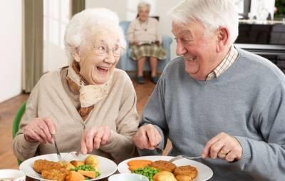 【感人】就算你不記得,我也要每天陪你吃早餐!