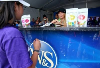 世界上收入最高網球女選手瑪麗亞·莎拉波娃如何享受她的人生?看看她送給男朋友的禮物就知道了!