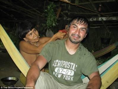 時隔19年,兒子終與赤身裸體的部落母親重逢