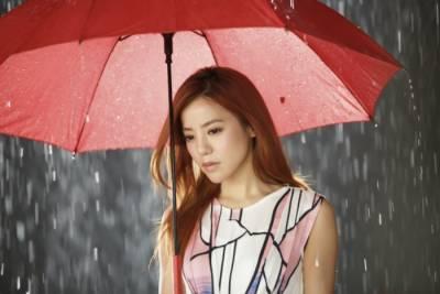 請你用一輩子,去愛那個為你撐傘的人...