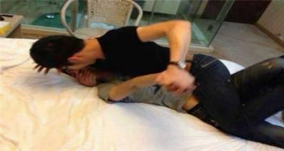 他收到一個影片,裡頭竟是哥哥跟女友在床上!他看完崩潰!決定這樣復仇... PART5親愛的,好好享受妳的報應吧!