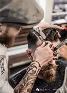 禁止閒聊 只弄油頭!這家「混混」開的理髮店規矩很多…顧客卻多到爆炸!原因竟然是…