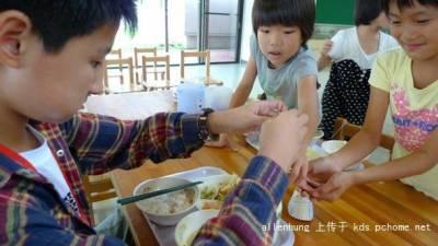看日本小朋友怎麼吃飯的!目瞪口呆!我們在起跑線輸了嗎?