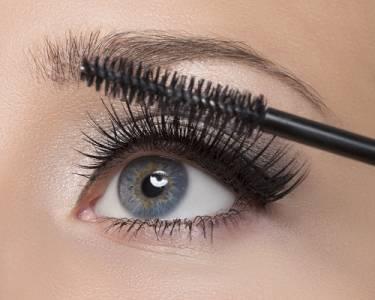 太強大了!讓種睫毛「持續2倍時間」的方法...化妝時間變短了,素顏也看起來都很有精神!