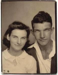 這對夫婦70年來,從沒分開過一個晚上。在上週,他們分開了……