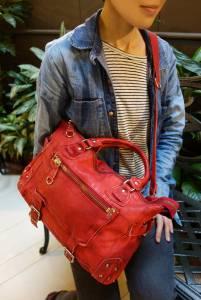 日本REGALO復古牛皮釘釦機車包,時尚又百搭的真皮二用包,仲間由紀惠愛用包,日劇女主角常配帶包款