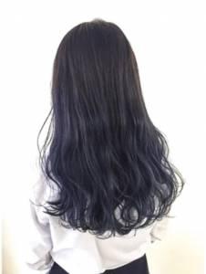 夏日反骨染髮新選擇!日本女孩大推的「海軍灰」髮色強勢登陸│妞新聞