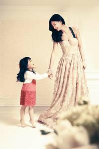 夏黃廉盈。依然美麗 當女人變身母親