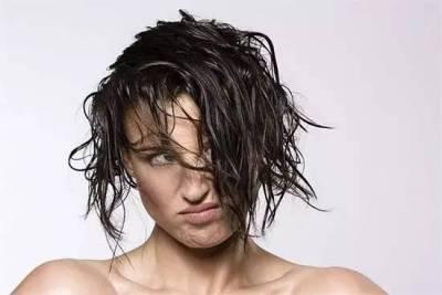 1分鐘搞定!超簡單5個步驟,搞定走出健身房的濕亂髮!(秒懂影片教學)