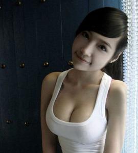 今天我陪女朋友去買胸罩,我被徹底震驚了!.......要看到最後
