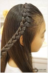 只要5分鐘!簡單易學的「小學生髮型」教學大公開,讓妳家的孩子hold住一整天!快速上手!