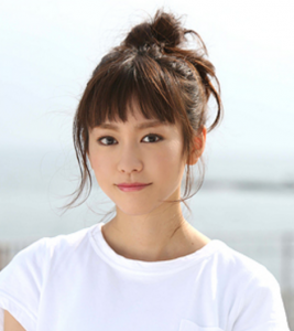在日本月9(星期一晚上九點)的日劇-「有喜歡的人」中登場♪ 劇中桐谷美玲的丸子頭實在是太可愛了~♡